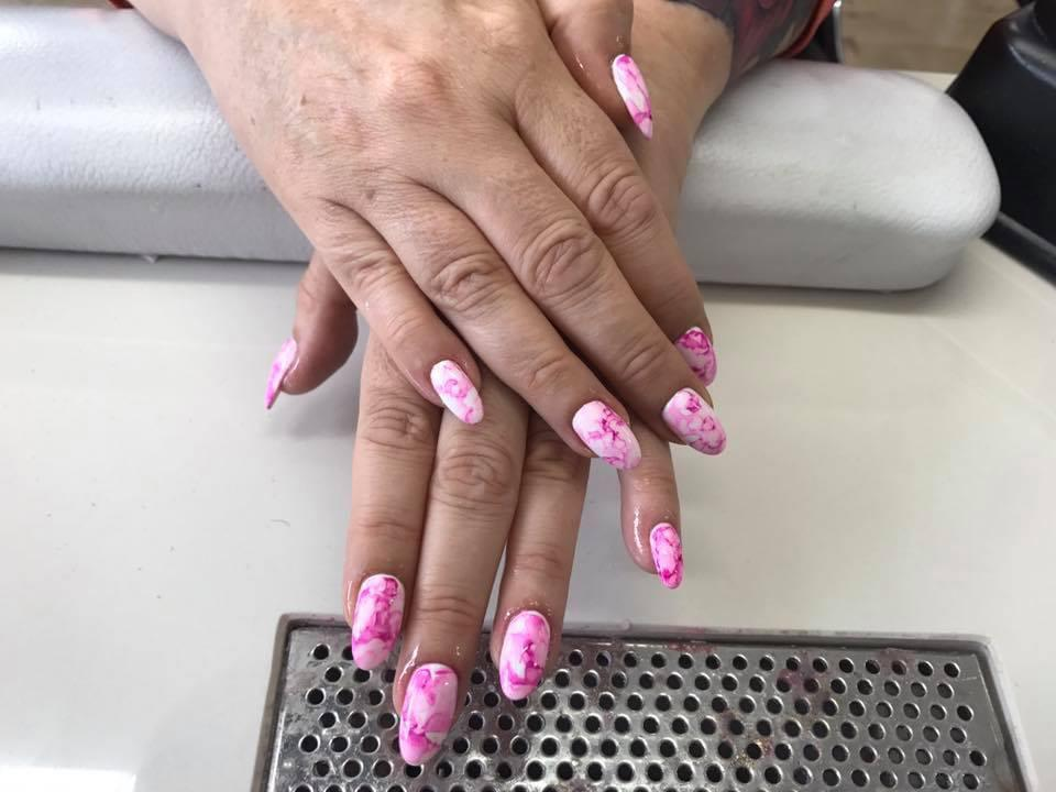 ovel-shape-acrylic-nail-extensions-with-marble-effect-design-0710-5